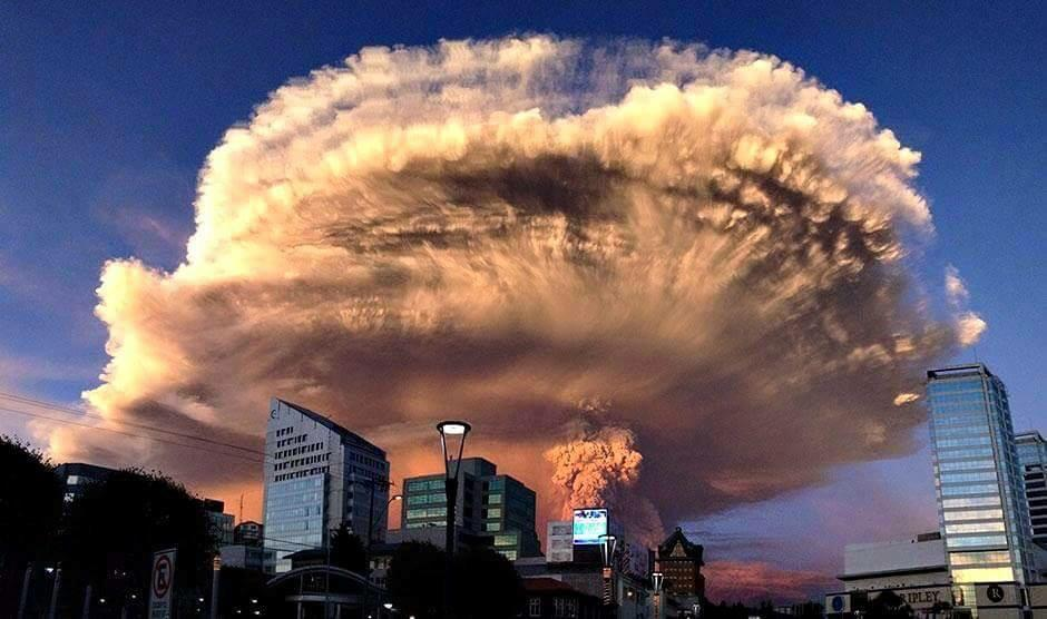 Eruption of the Calbuco 04/22/2015 - photo Keraunos ob.