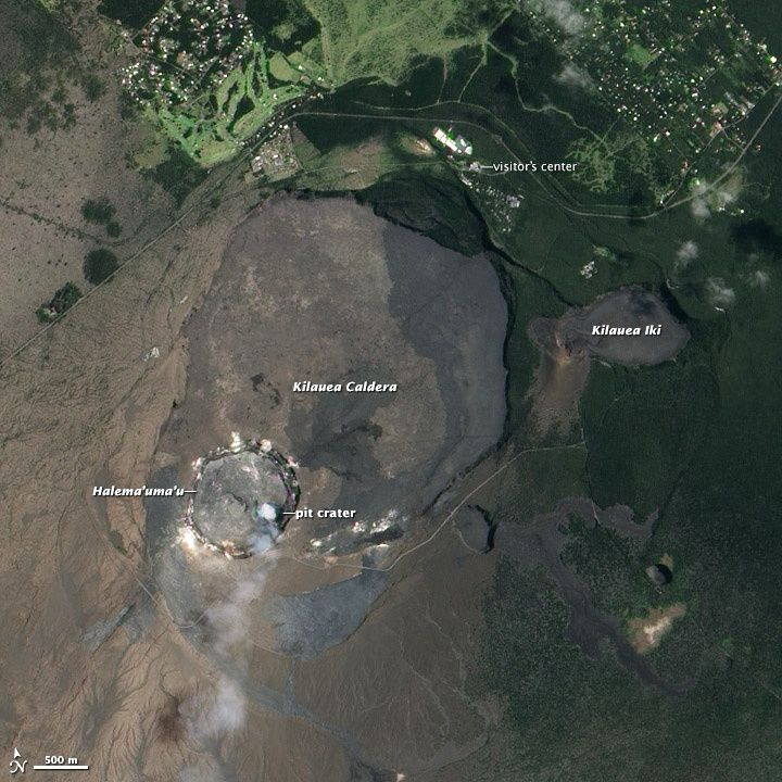 The summit of Kilauea Caldera and his nested craters Halema'uma'u and Overlook (pit crater), the 08/01/2013, by the NASA EO-1 satellite Ali / HVO