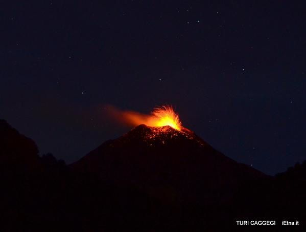 Etna NSEC - Strombolian activity  on 12/05/2015 - photo Turi Caggegi / iEtna