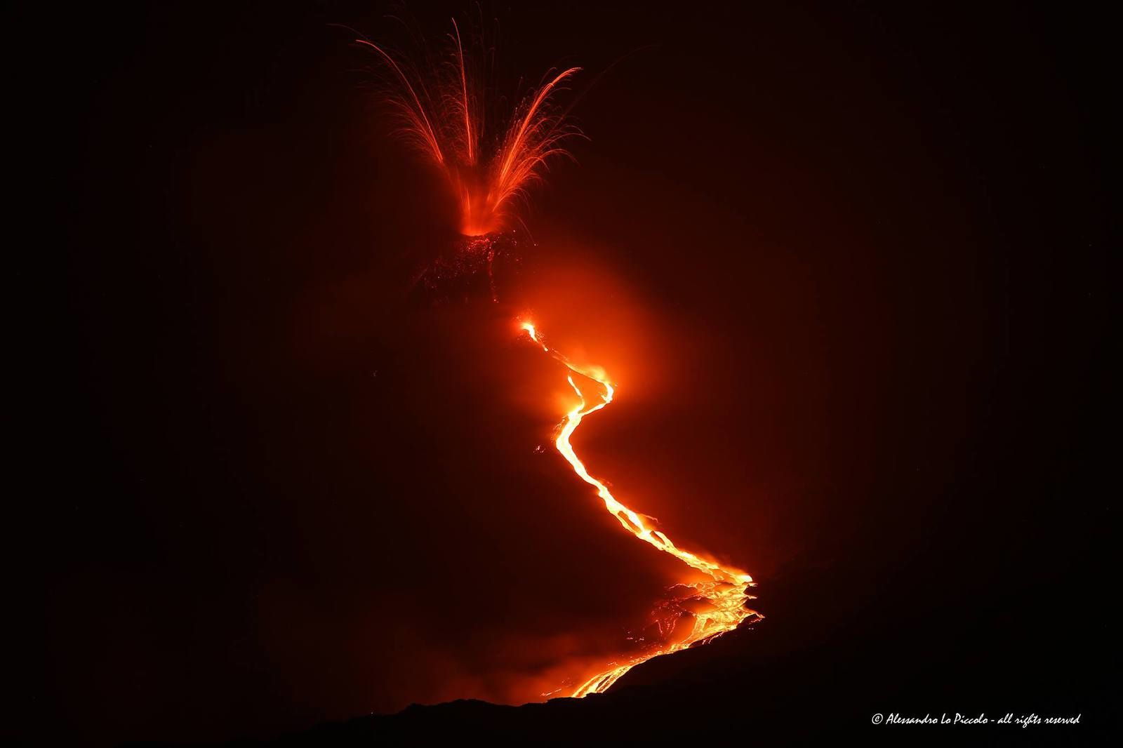 Etna NSEC - 14.05.2015 / 22h30 - photo  © Alessandro Lo Piccolo - all rights reserved