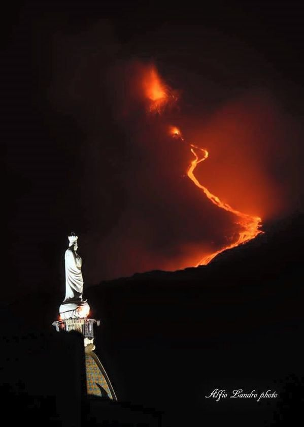 "Etna: ""Heaven and Hell"", the luminescence of the lava flow  15/05/2015 - photo Alfio Landro on Twitter"