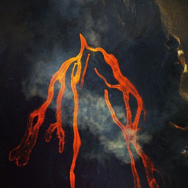 Piton de la Fournaise - 05.17.2015 - lava flows seen by helicopter - photo Officiel Reunitoo, the first web portal of the Reunion Island.