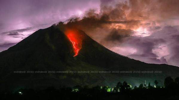 Sinabung - 17.05.2015 / 23h47 - photo endrolew@