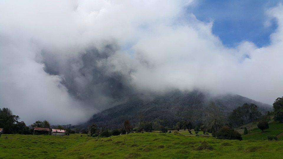 Turrialba - 05/18/2015 - A new eruption began at 1:44 p.m. - Fotografía Raúl Mora-Amador / RSN
