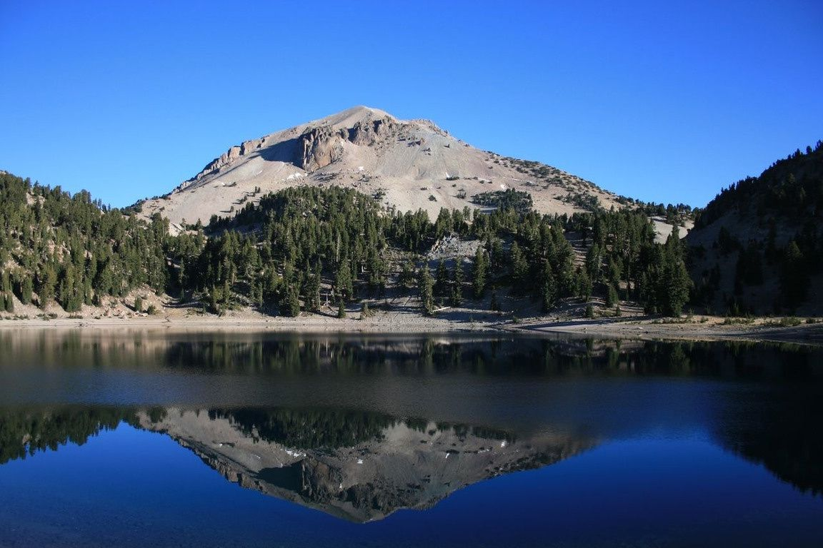 The Lassen Peak in 2012 - photo Fotopedia