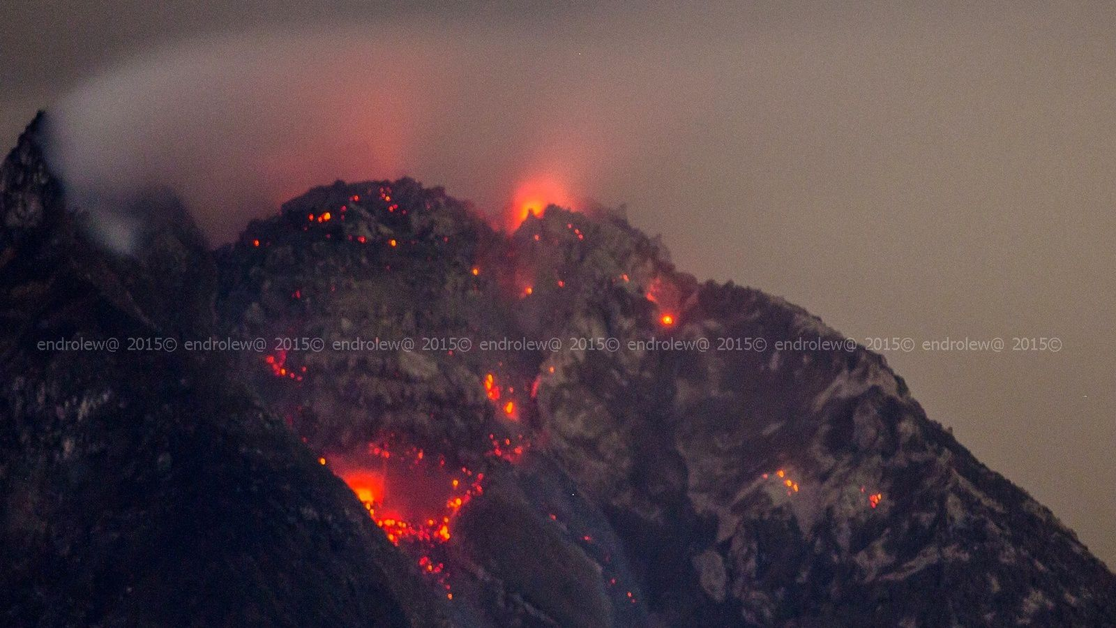 Sinabung le 27.05.2015 / 3h03 - photo endrolew@