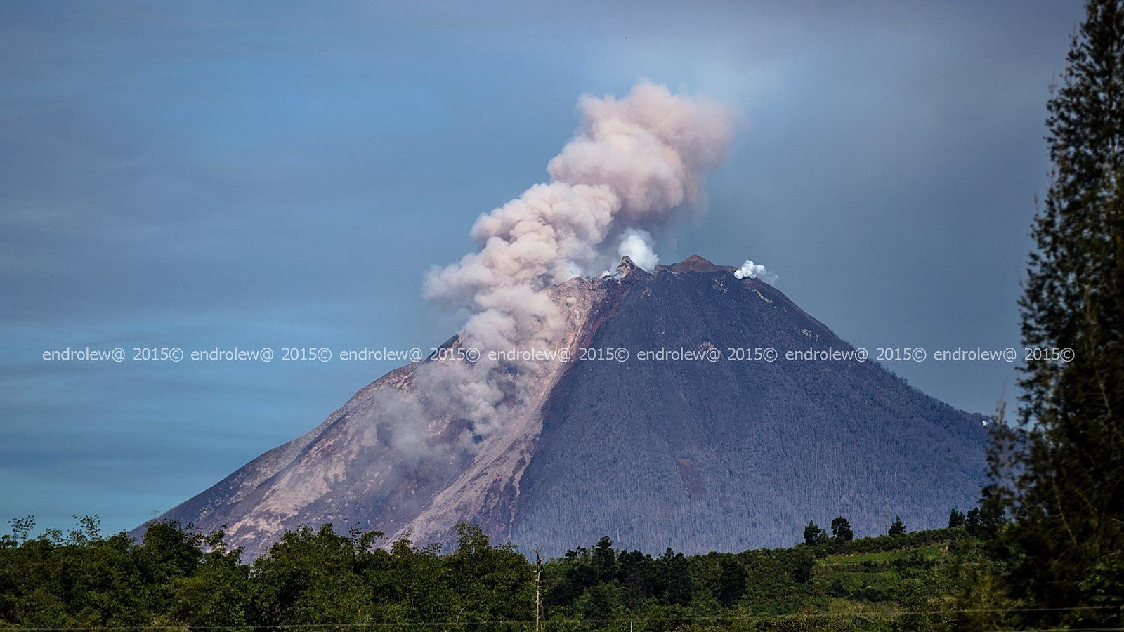 Sinabung - the 03.06.2015 / 9:11 - photo endrolew@