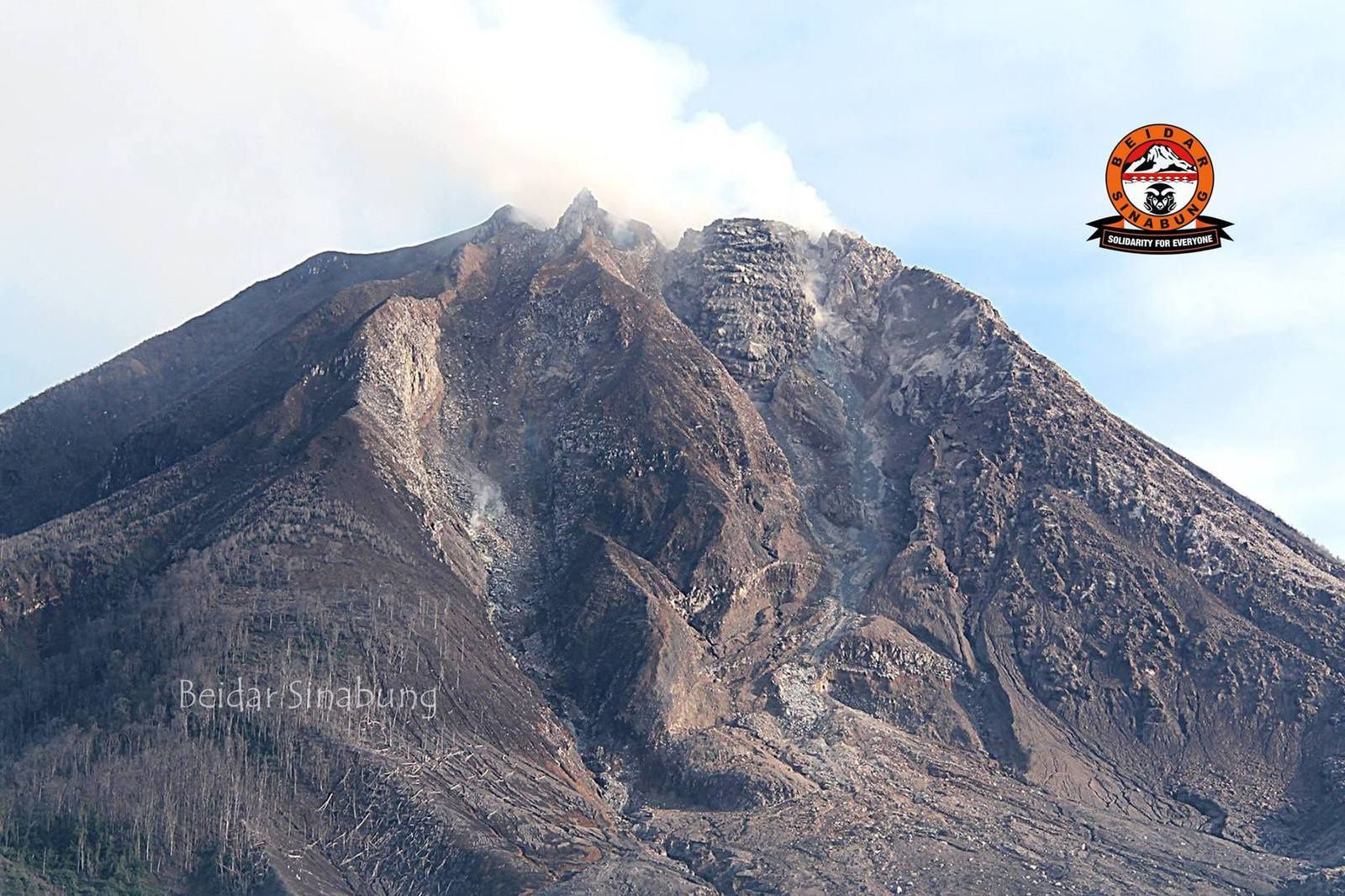 Sinabung - the top, the spines and the lava lobe - photo 03.06.2015 / Beidar Sinabung