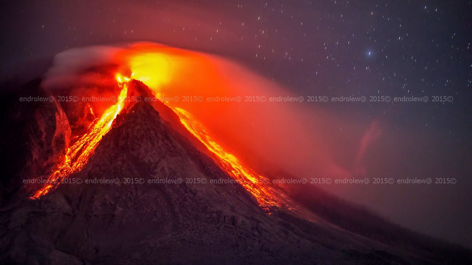 Sinabung the 21.06.2015 / 11:35 p.m. - photo endrolew@