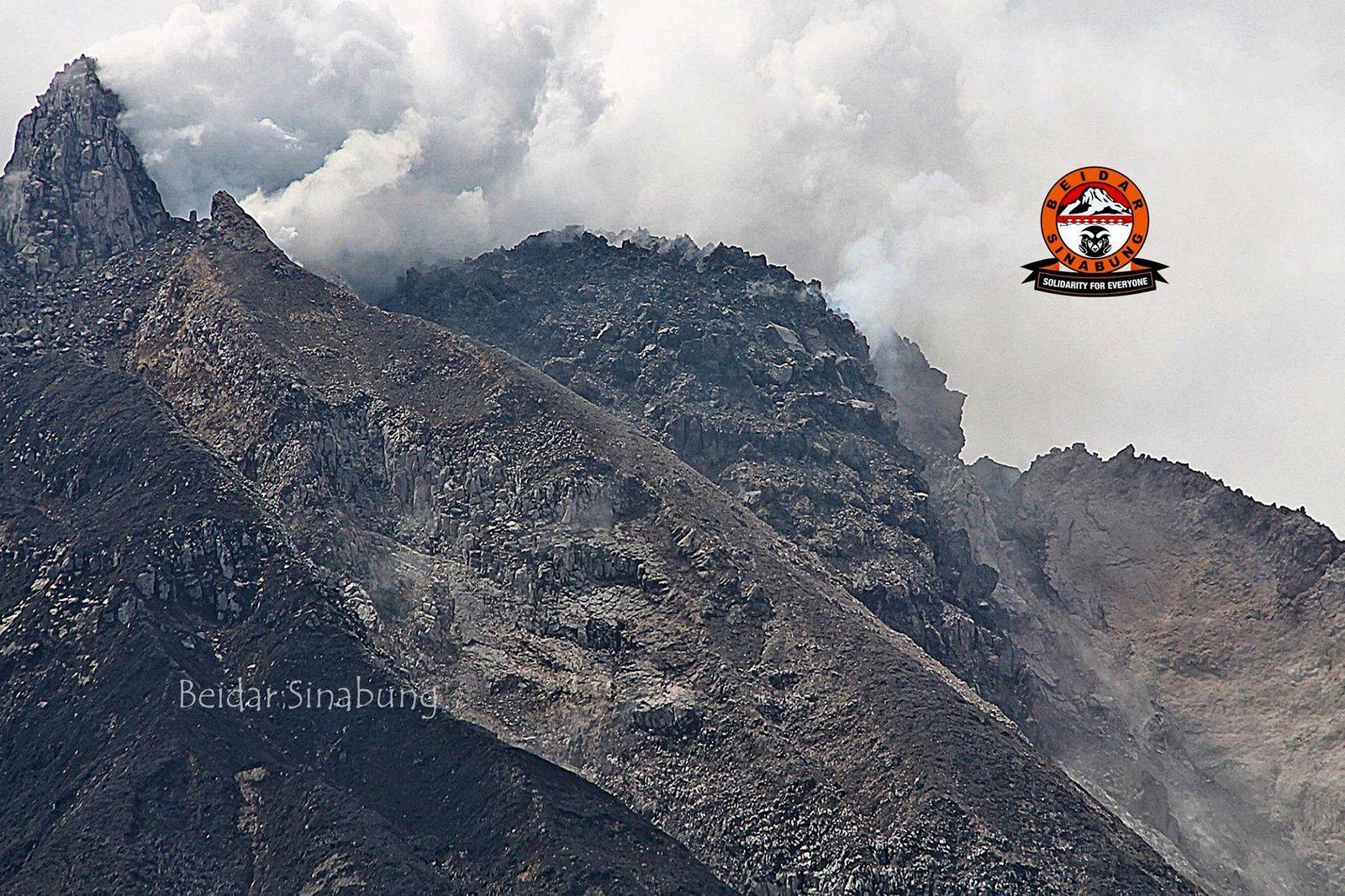 Sinabung - photo la plus récente du dôme sommital le 21.06.2015 - via Beidar Sinabung