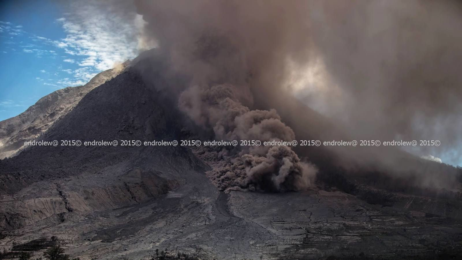 Sinabung - Coulée pyroclastique du 29.06.2015 - 14h10 - photo endrolew@