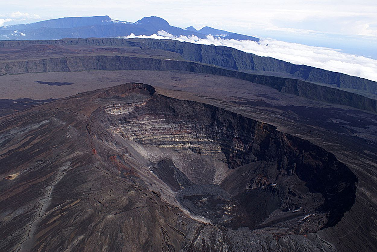 Piton de la Fournaise - the summit craters within the Enclos - photo Living Planet