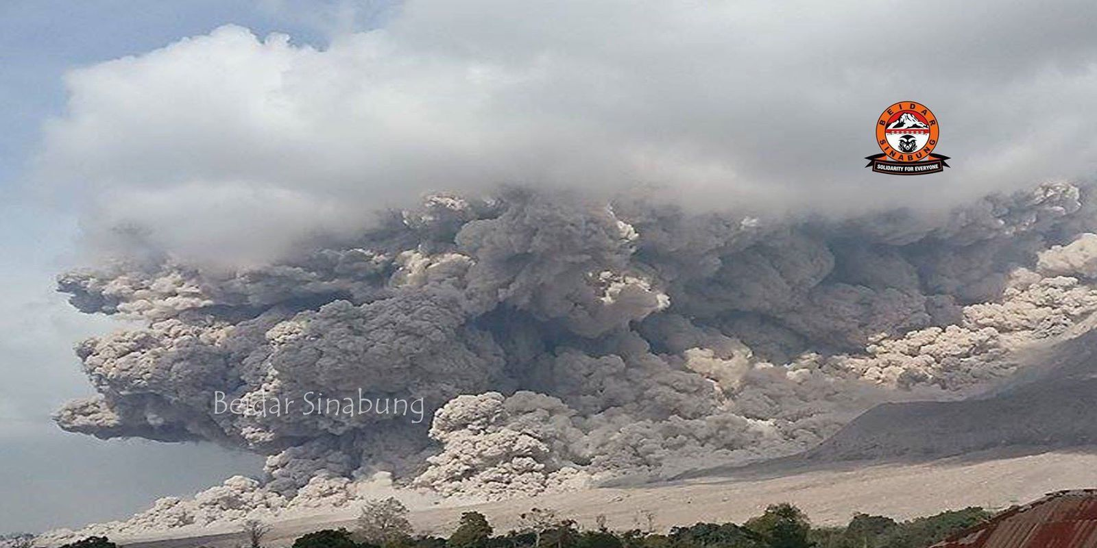 Sinabung - colulée of pyroclastic 07/07/2015 - photo Hasron David Ginting via Beidar Sinabung