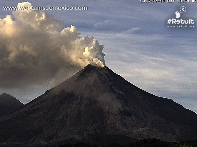 Colima - 15.07.2015 à 19h36 et 19h54 locale - photo webcamsdeMexico