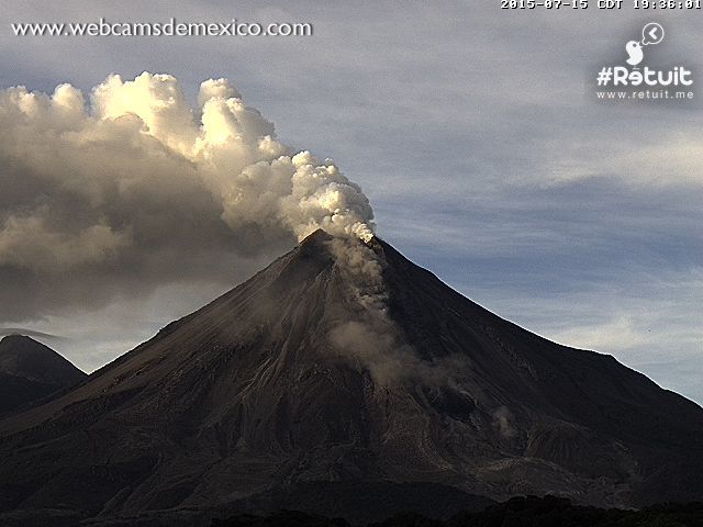 Colima - 15/07/2015 7:36 p.m. & 7:54 p.m.- photo webcamsdeMexico