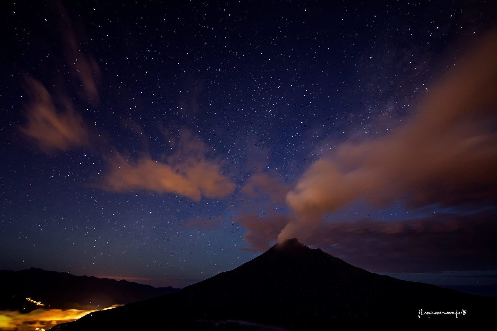 "Tungurahua - ""ash and stars"" - photo 14/07/2015 José Luis Espinosa-Naranjo"