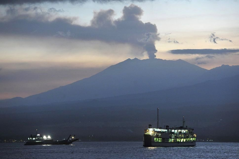 The plume of Gunung Raung on 07/17/2015 - Photo Reuters