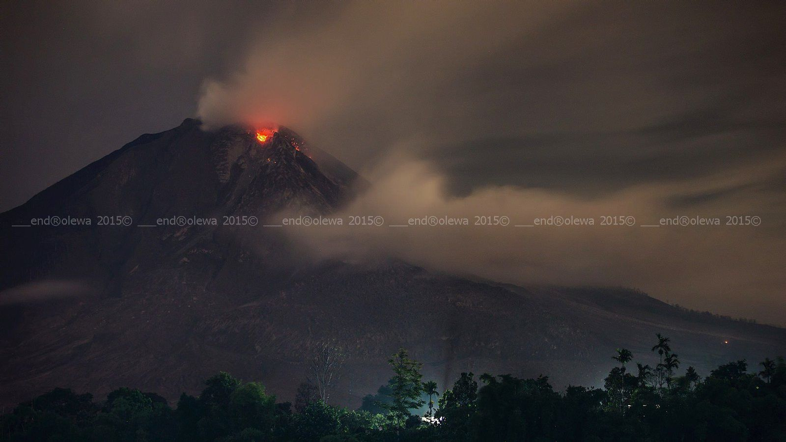 Sinabung - 07.19.2015 / 7:59 p.m. - photo endrolew@