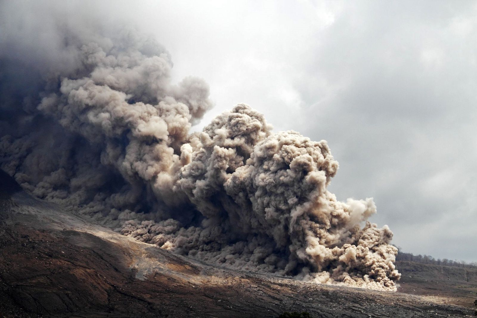 Sinabung Spécial éruption - photo ©  Pascal Blondé 07.2015