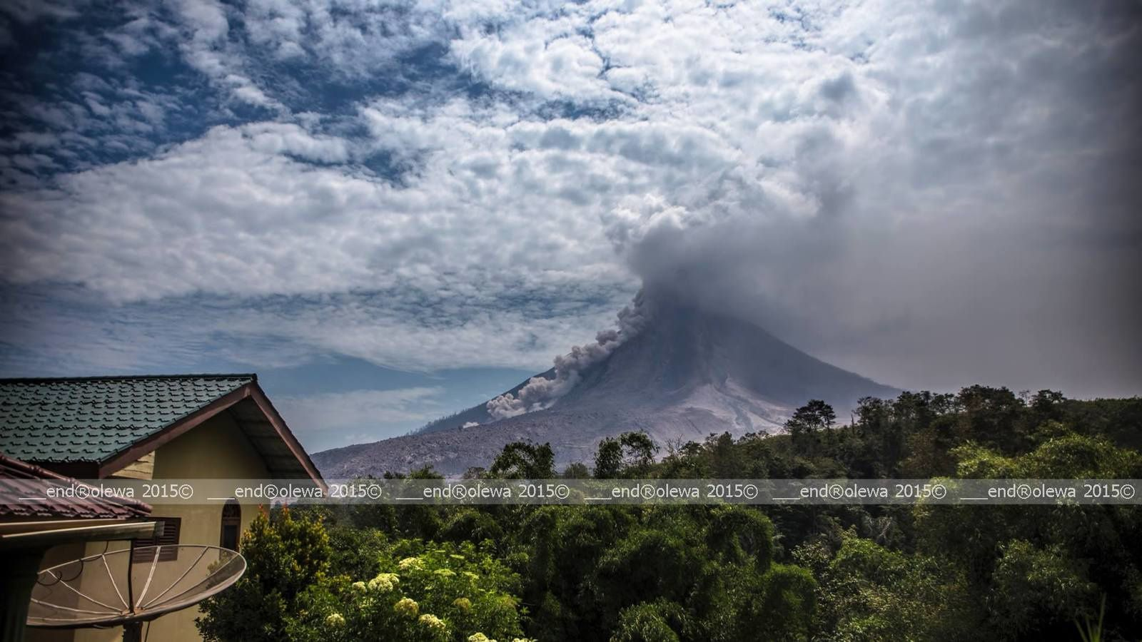 Sinabung 30.07.2015 / 13h55 secteur SSE - photo endrolew@