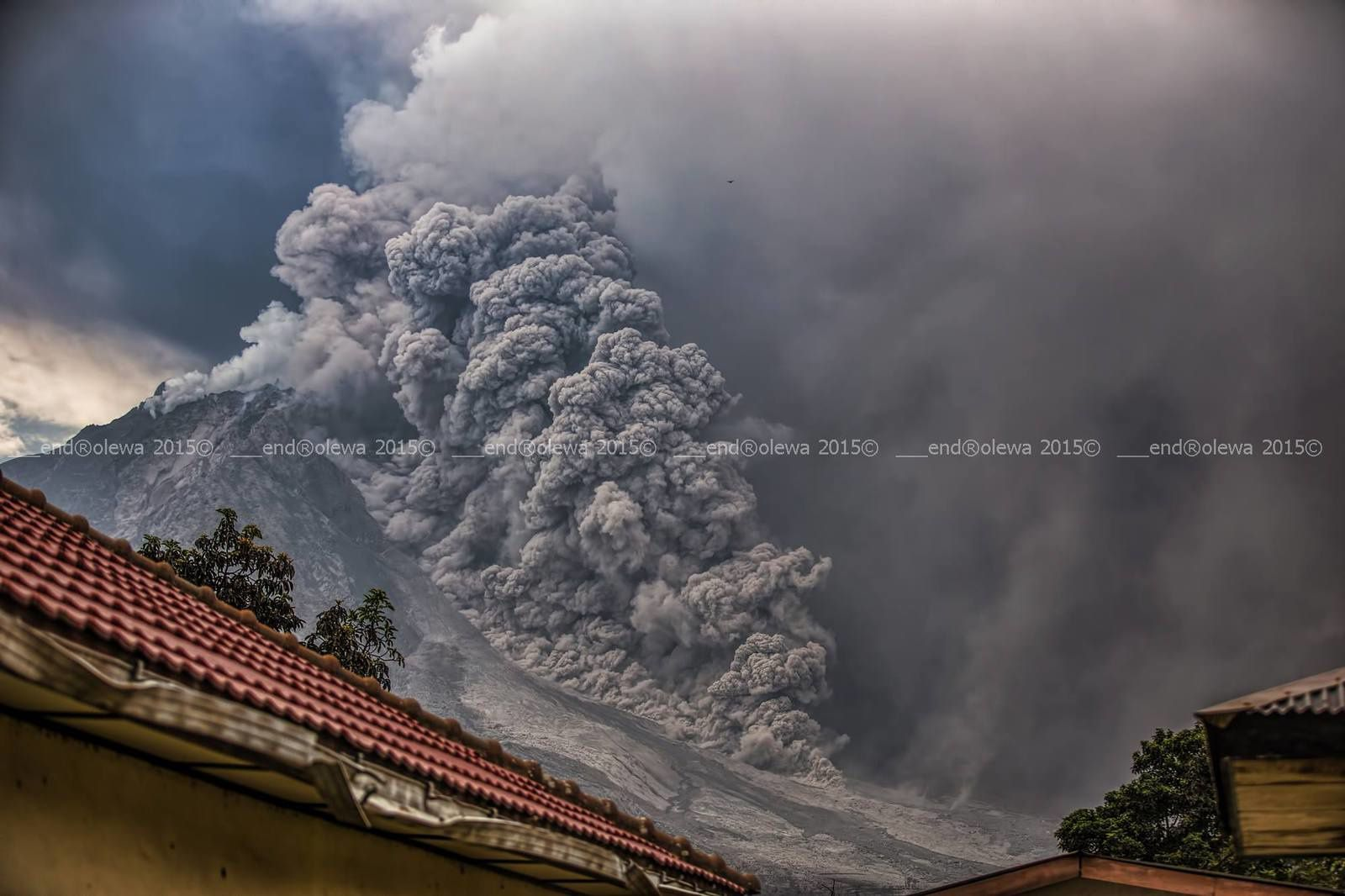 Sinabung 30.07.2015 / 14h39 - 14h40 - photo endrolew@