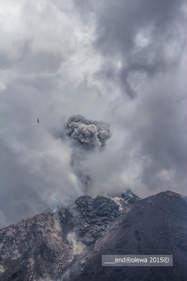 Sinabung - explosion and plume 05.19.2015 / 12:25 loc.- Photo endrolew@