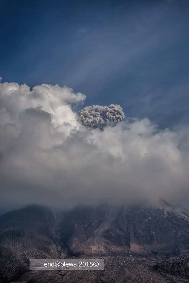 Sinabung - explosion and plume 05.19.2015 / 9:41 loc.- Photo endrolew @