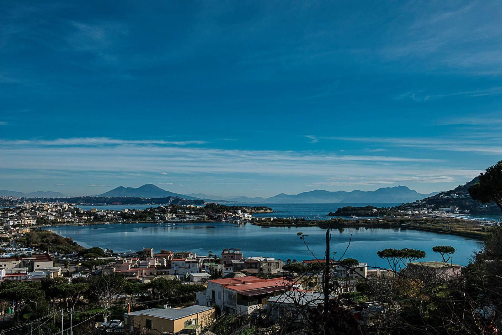 The Campi Flegrei, Pozzuoli Bay and Vesuvius - photo Sergio Coppola