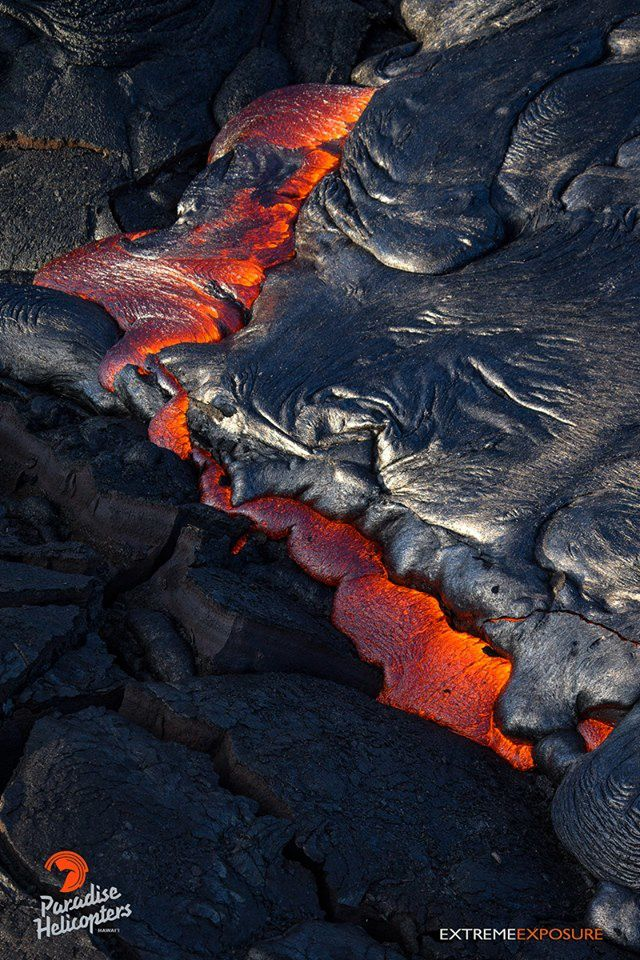Kilauea - lava flow from the Pu'u O'o on 08/27/2015 / 07h - photo Bruce Omori / Paradise Helicopters