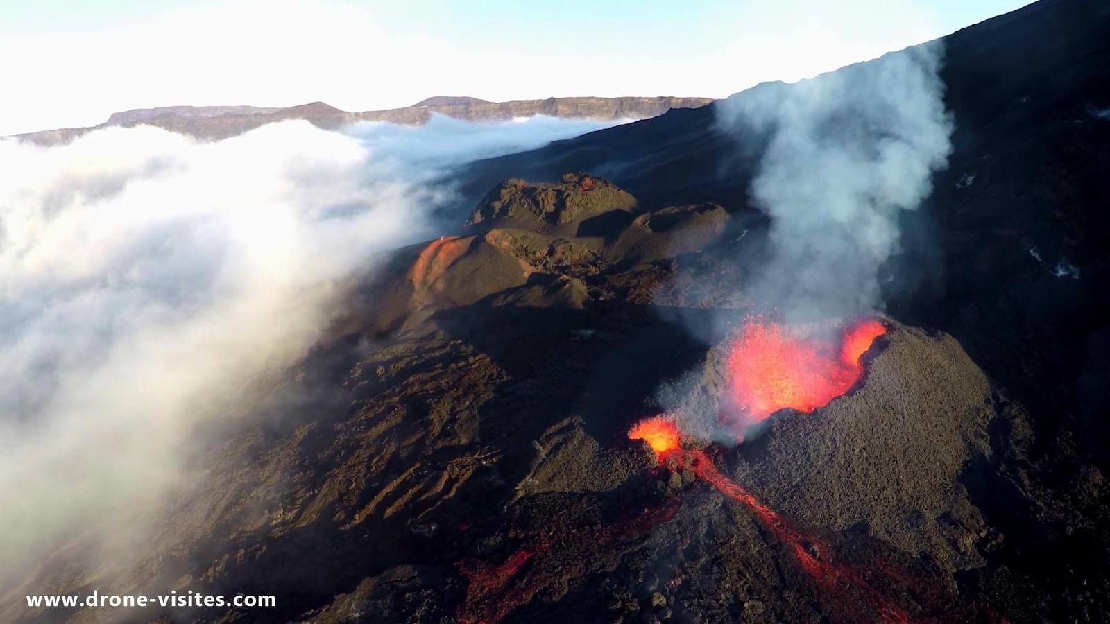 Piton de La Fournaise - les cônes de scories - photo Drones Visits