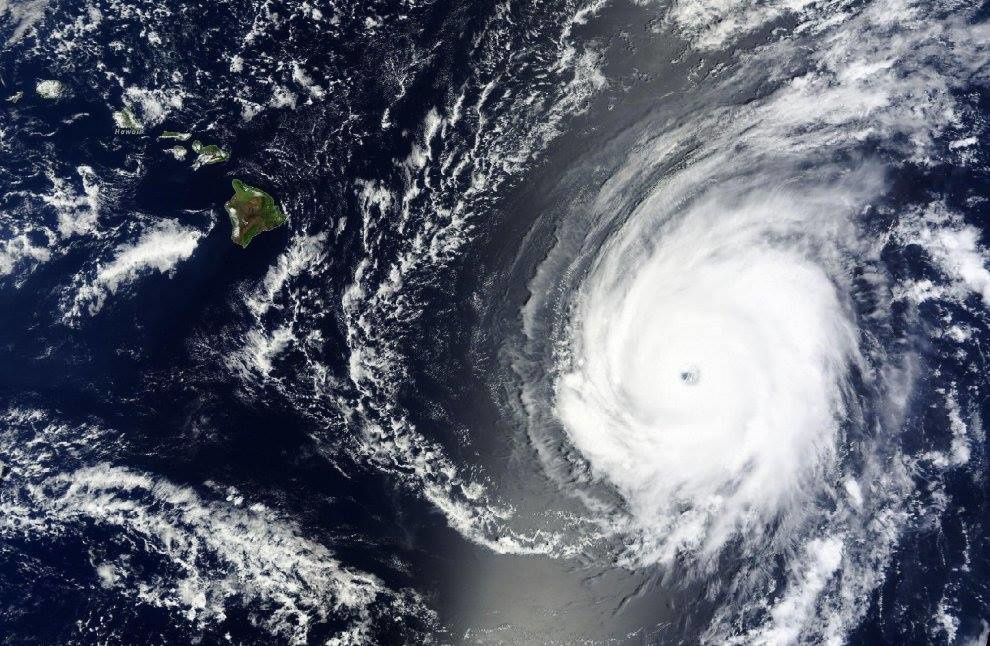 Hurricane Ignacio near the island of Hawaii - Doc. NASA EO / Suomi.
