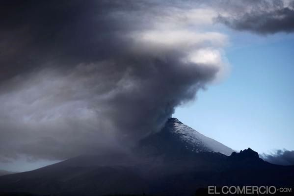 Cotopaxi - émission de cendres le 05.09.2015 - photo El Comercio