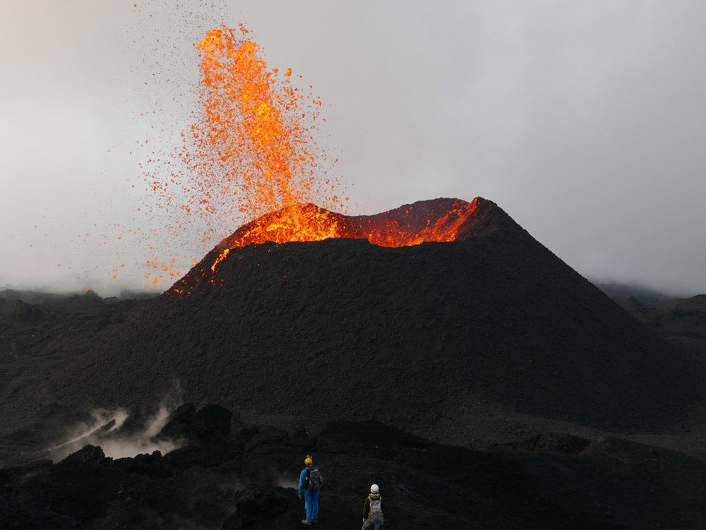 Piton de la Fournaise visited by the volcanologists - photo-François Martel Asselin / Clicanoo