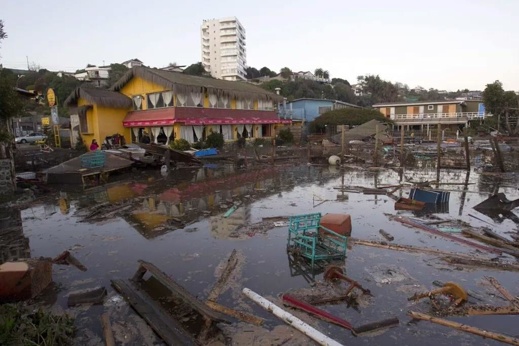 Dégâts du tsunami à Coquimbo - photo  Noticiero Internacional17.09.2015