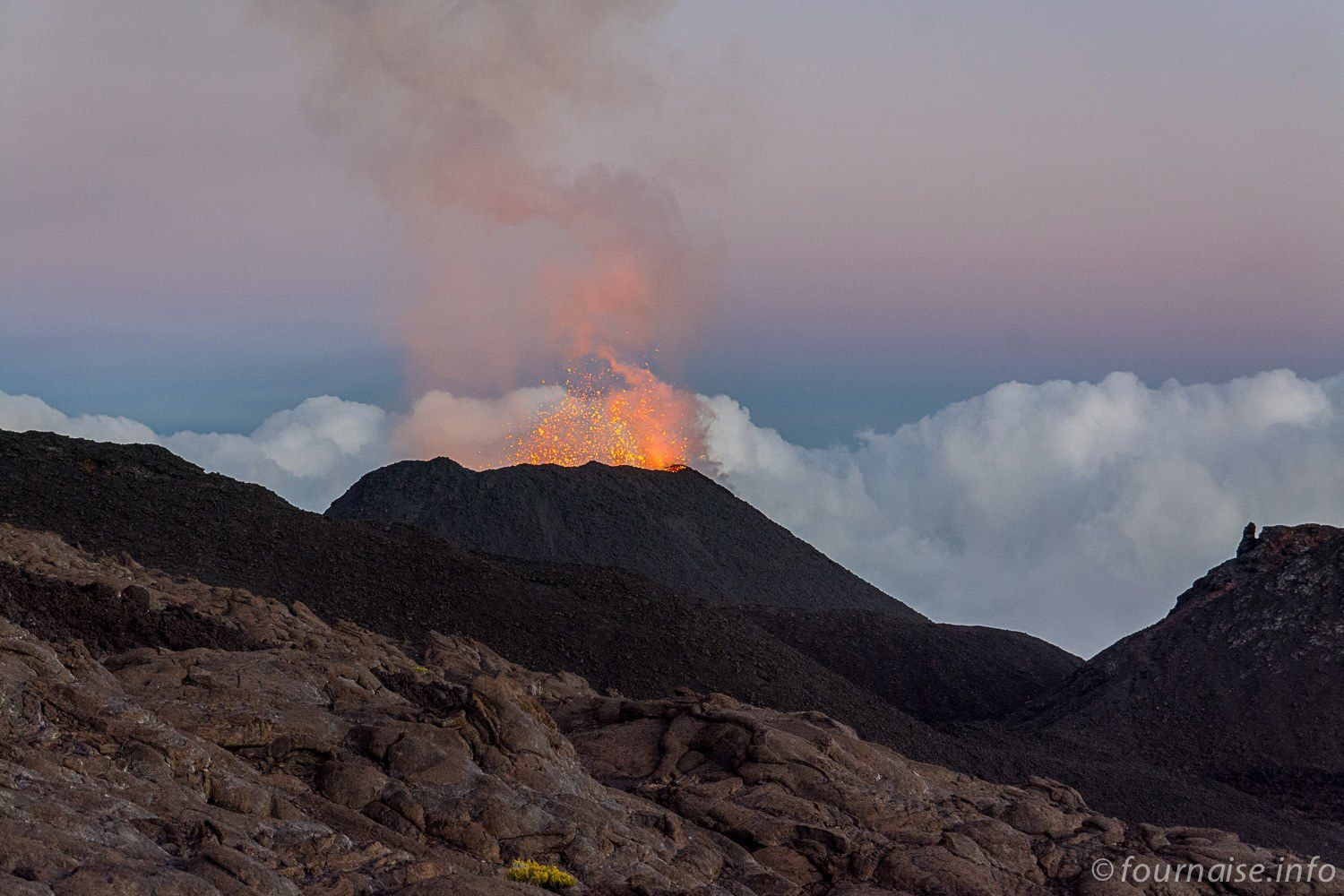 Piton de la Fournaise, the active cone on 09/19/2015 - photo Fournaise-info