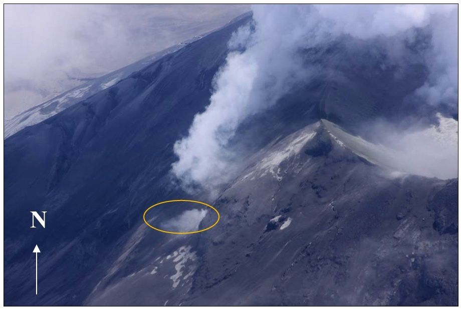 Cotopaxi 09/22/2015 - New field of fumaroles on flank O - photo P. Ramón / IGEPN