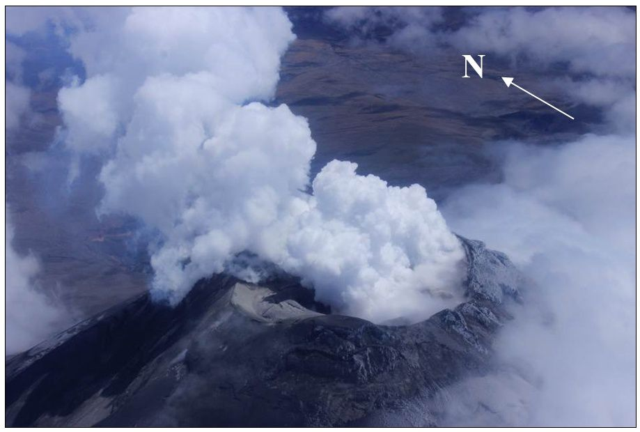 Cotopaxi on 09/22/2015 - degassing essentially of steam / gas volc. - Photo S.Vallejo / IGEPN
