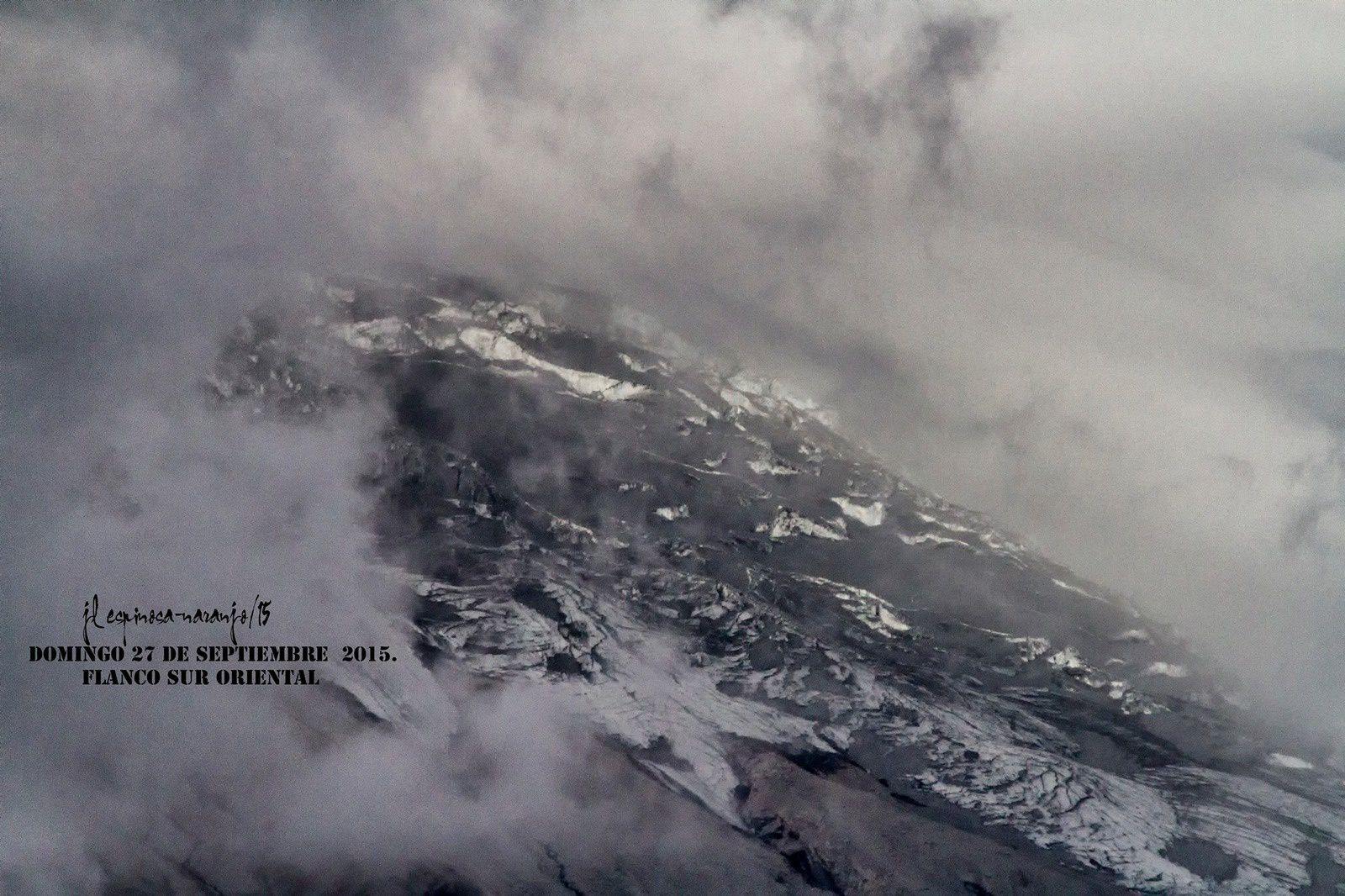 Southeastern flank of the Cotopaxi 09/27/2015 - photo Jose Luis Espinosa-Naranjo