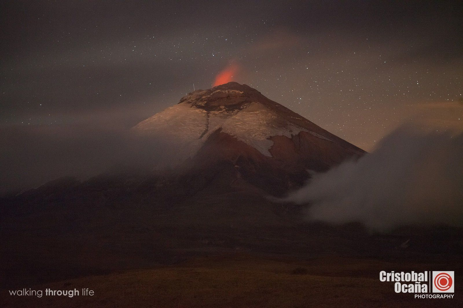 Incandescent summit in Cotopaxi, already noticed the 09/26/2015 by Cristóbal Ocaña via Foto Ecuador