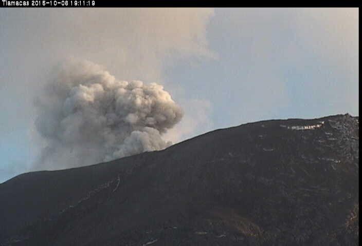 Popocatépetl 07.10.2015 / 7:11 p.m. - Webcam Tlamacas / CENAPRED
