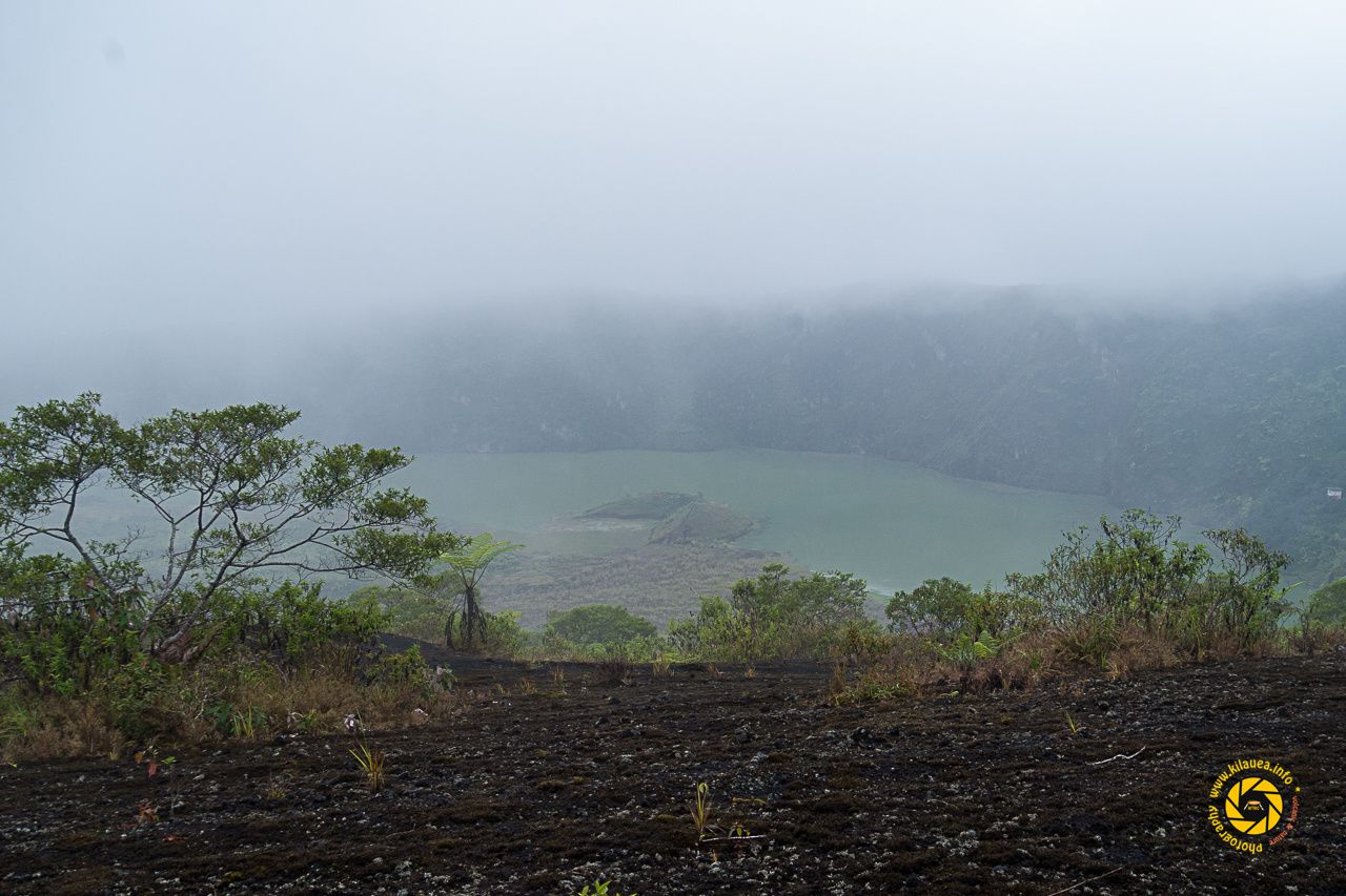 Galunggung - The crater and the lake with the remnants of the cone of the last eruption - Photo © 2015 Jean-Michel Mestdagh