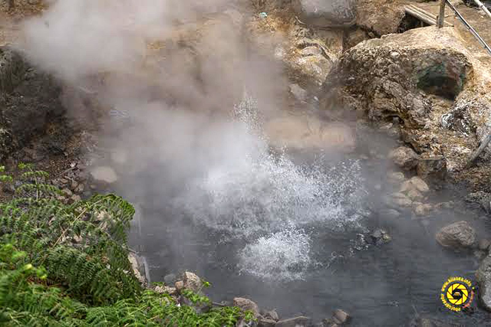 Dieng Plateau - Hot Spring - Photo © 2015 Jean-Michel Mestdagh