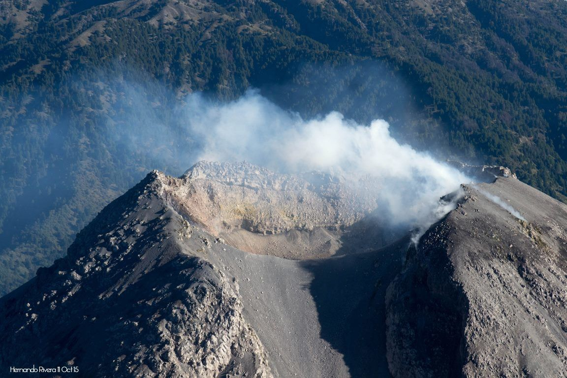 Summit crater of Colima - 15.10.2015 - photo Hernando Alonso Rivera Cervantes
