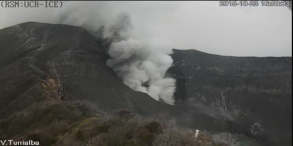 Turrialba  - 23.10.2015 / 16h50 - webcam RSN