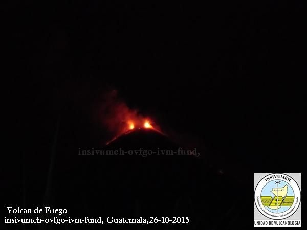 Fuego - strombolian activity the night of 10.26.2015 - photo INSIVUMEH