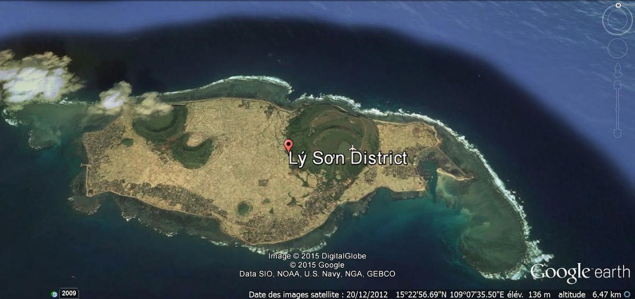 Ly Son and his craters on Google Earth / via Damien Becquart