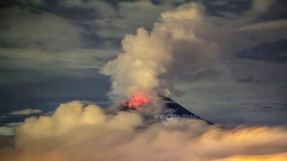 Sinabung 12.11.2015 / 21h41  - photo endrolewafoto