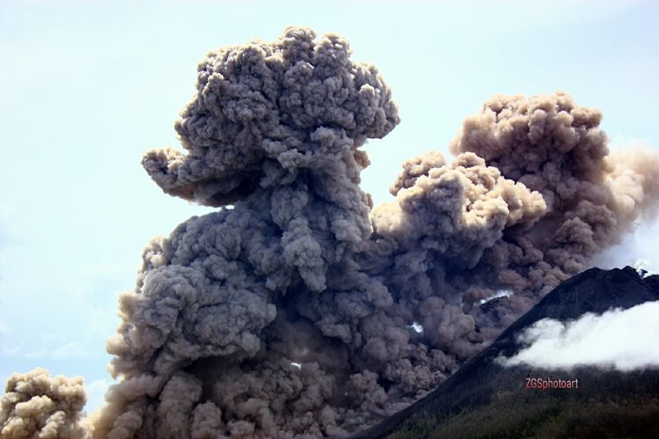 17.11.2015 /  13h26 -  Sinabung  - photo Zulkarnain Ginting