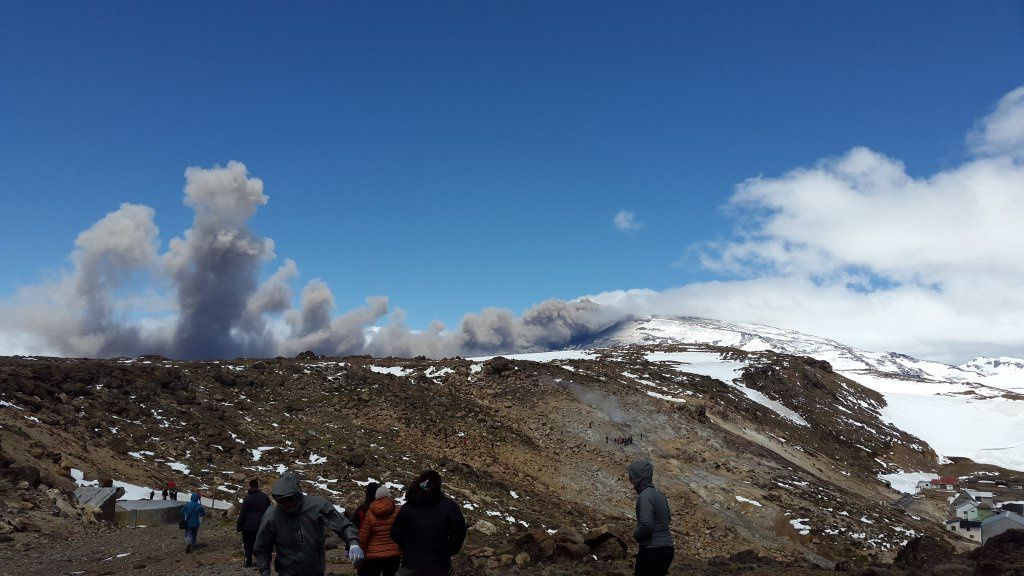 Copahue on 11/20/2015 - photo  Red de Emergencia / Twitter