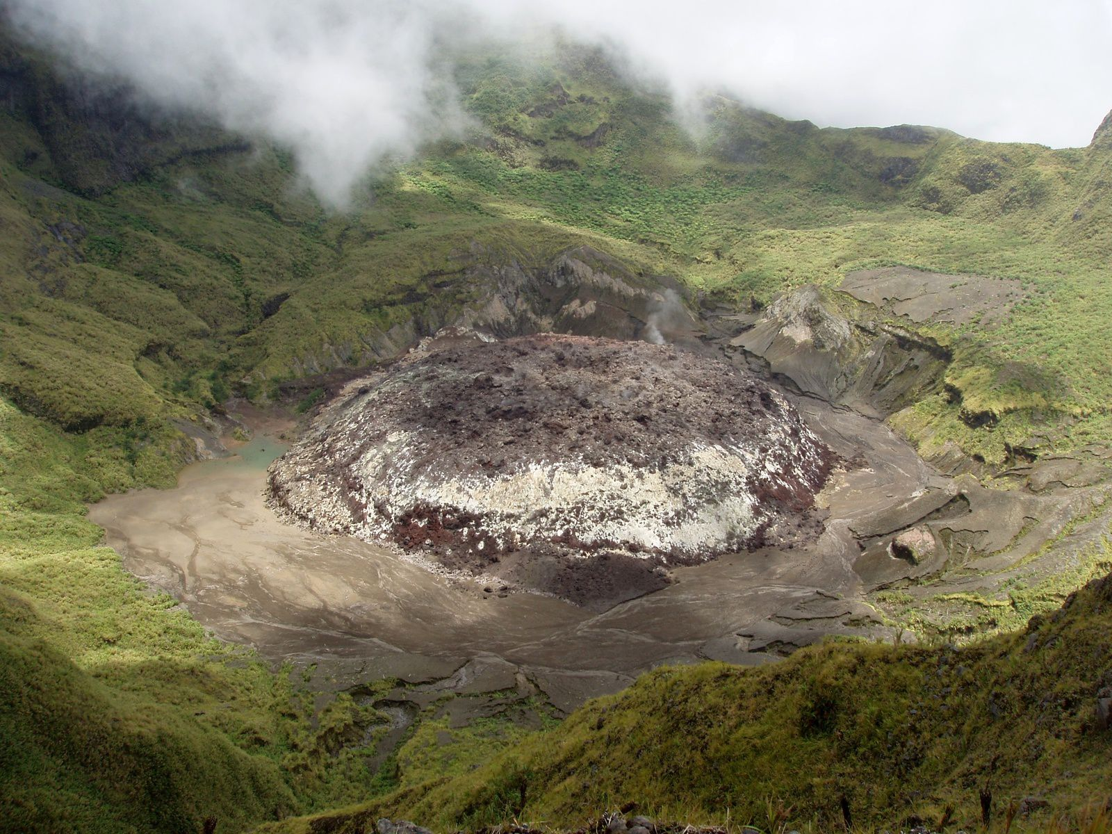 Gunung Awu - the lava dome in 2004 - photo PVMBG